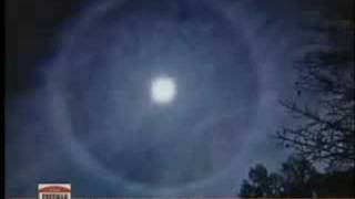Great Flippin Question: Ring Around The Moon
