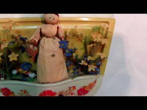Vintage Decor Rare MUSICAL Dust Pan Playing MUSIC BOX Singing Nun Dominique