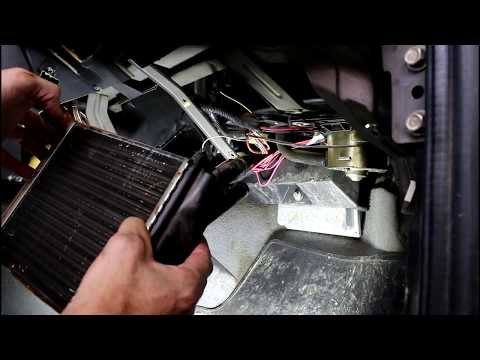 Замена радиатора печки Chevrolet Niva 4х4 Шевроле Нива 2005 года