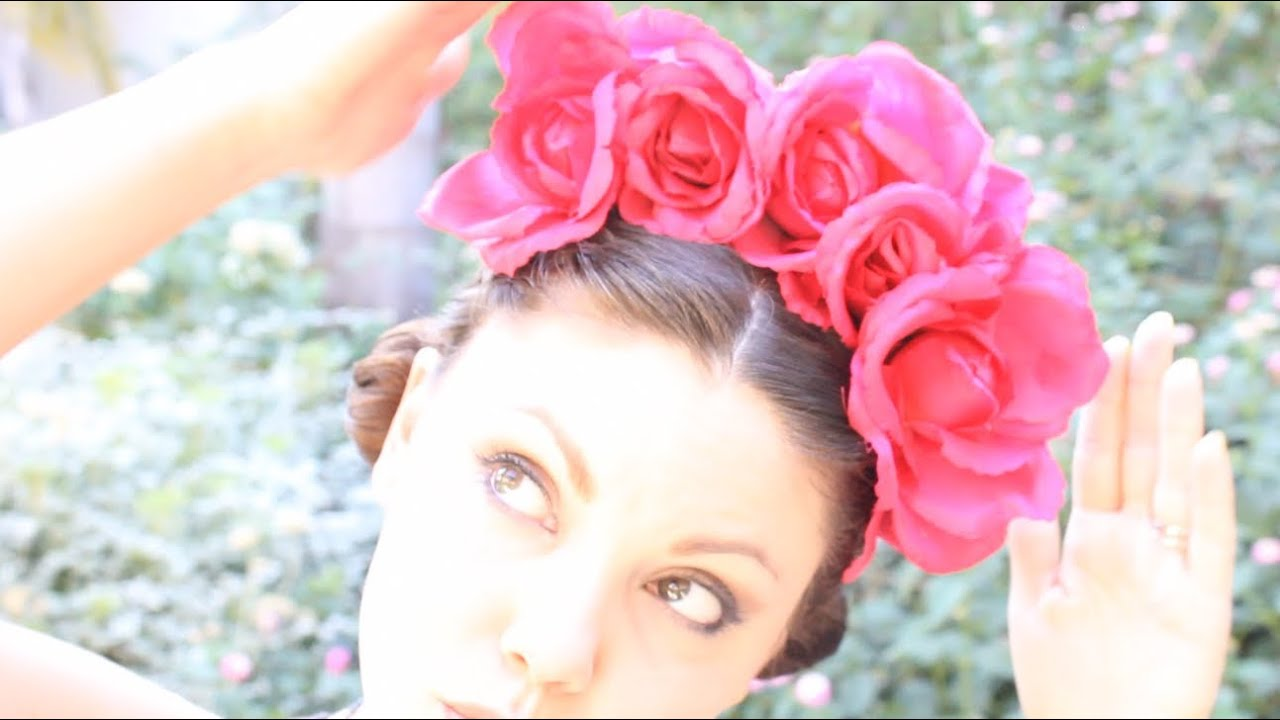 Diy floral crown inspired by frida threadbanger how to youtube izmirmasajfo