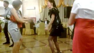 Супер танец на казахской свадьбе))) Актюбинск
