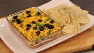 Layered Cheese & Bean Dip Nachos : Super Bowl Party Eats