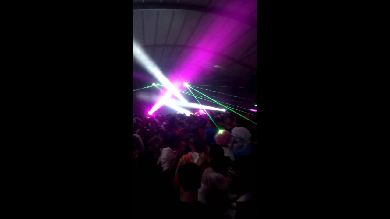Fiesta De Disfraces 2015 @Sander kleinenberg - YouTube
