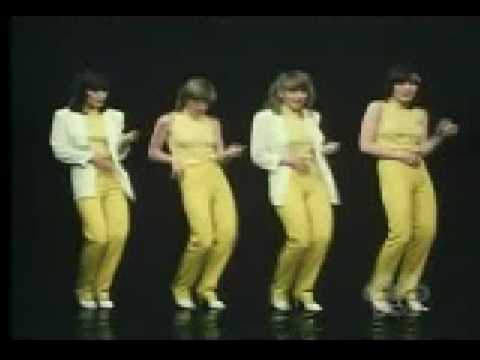 The Nolans - Gotta pull myself together