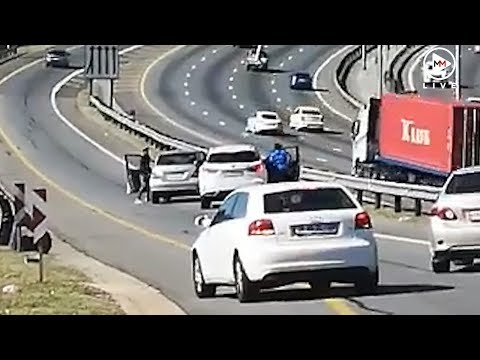 Armed highway robbery caught on camera in Jozi