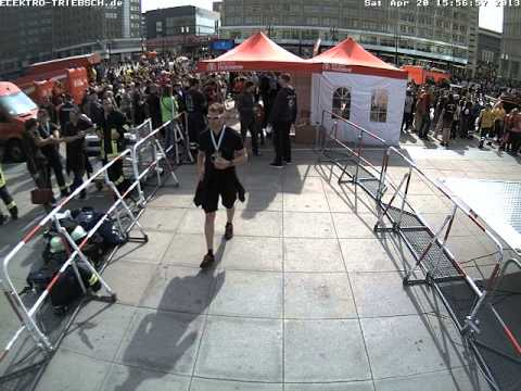 3. Berliner Firefighter Stairrun 2013 Webcam Start 13