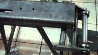 fabricando uma serra fita para metais - homemade bandsaw