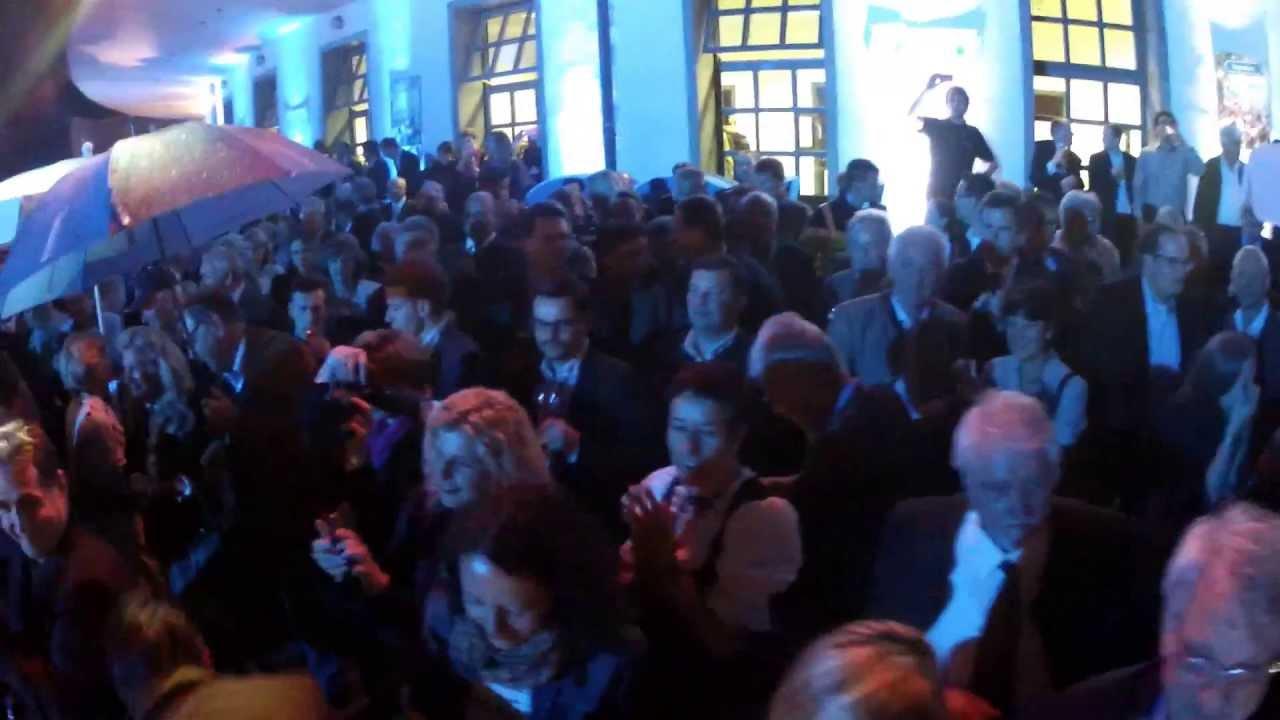 """CSU-Bayernfest: """"Rock mi""""-Flashmob von Voxxclub"""