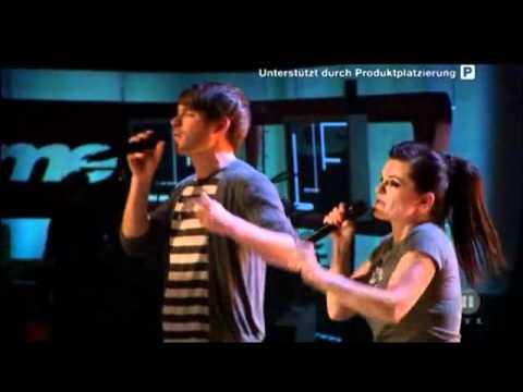 Revolverheld feat. Marta Jandová - Halt dich an mir fest (The Dome performation)