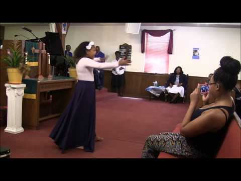 Diamond Braun New praise dance August 31, 2014