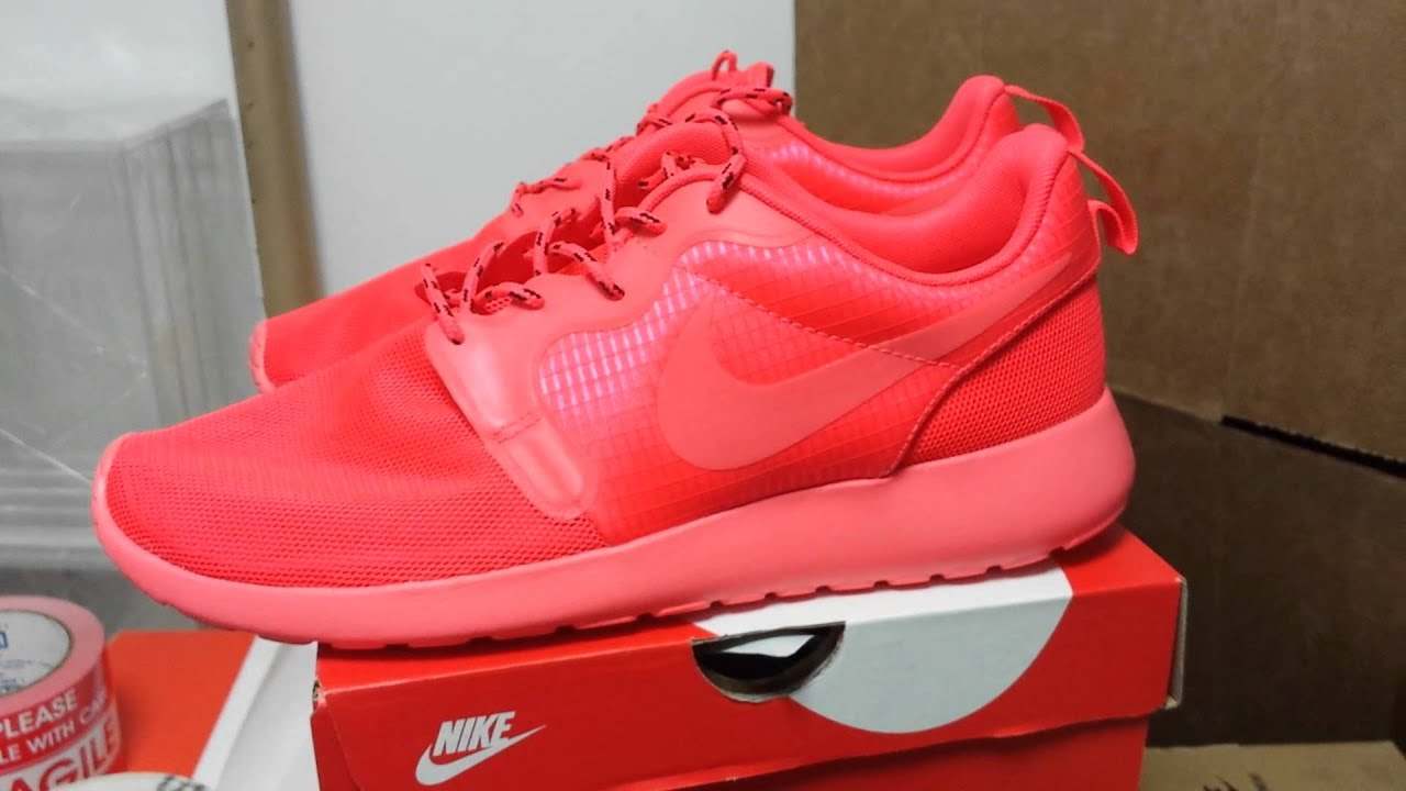Nike Roshe One Red October