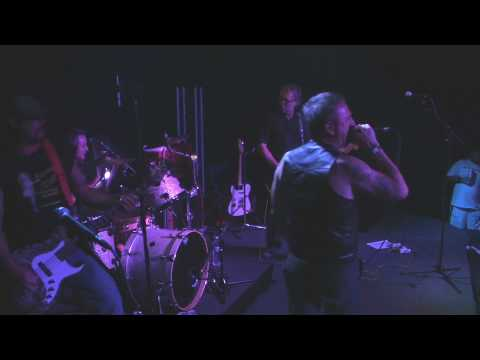 """MIA (PUNK BAND) LIVE IN VEGAS """"Cold Sweat"""" 2nd half = """"Gas Crisis"""""""