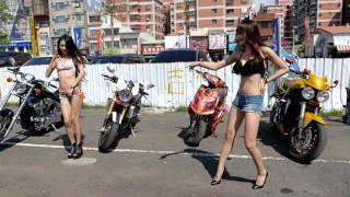 Awesome Girls Sexy Dance with Great Bikes [4K]