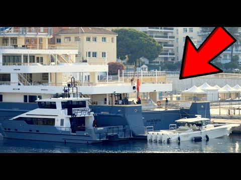 MegaYacht Andromeda recovers massive Speedboat Bond Style!