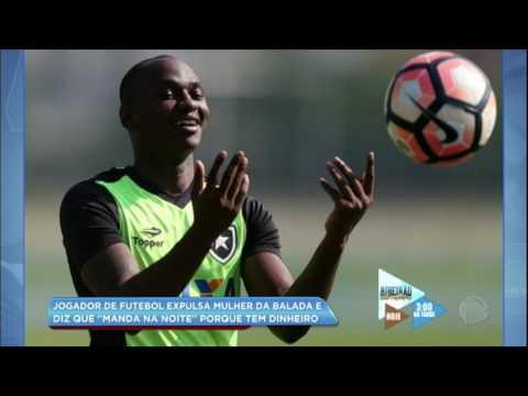 Hora da Venenosa: jogador de futebol expulsa mulher de balada