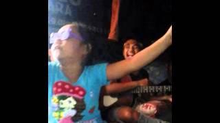 Anak Lucu menyanyikan Lagu Revublik selimut tetangga  (lucu gkgkgk)