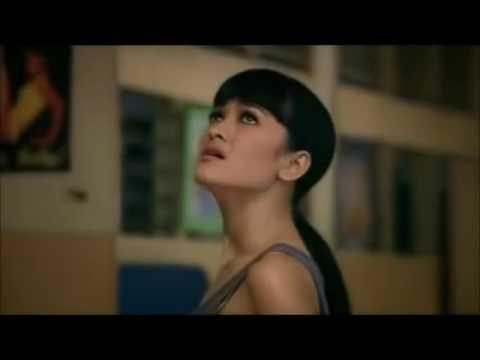 Video Adegan Ranjang Hot Julia Perez No Sensor