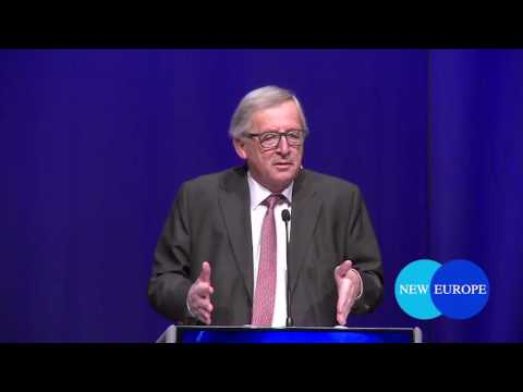 Juncker at 25th anniversary of Maastricht treaty