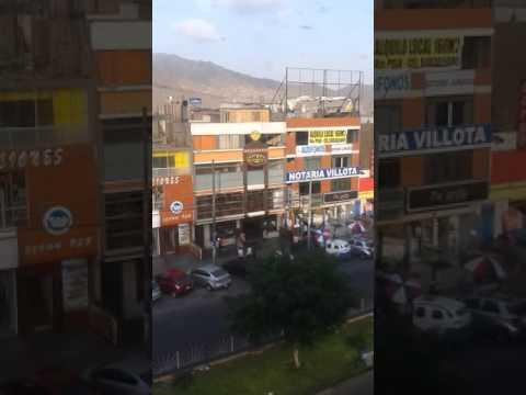travel by metro de lima peru along the city-3. Venezolano en peru