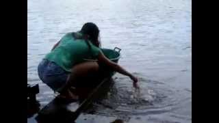 صيد سمك بطريقة سهلة دون أي عدة للصيد