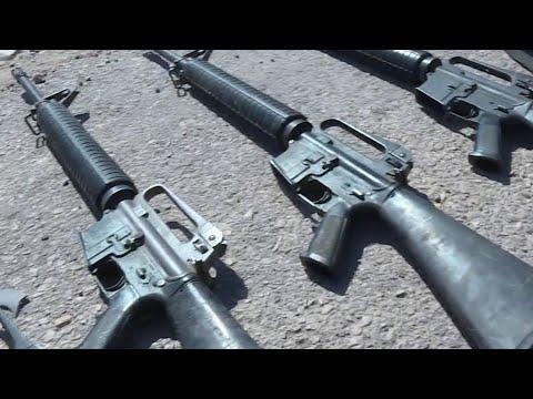 В Сирии американские военные активно помогают боевикам, поставляя оружие и технику.
