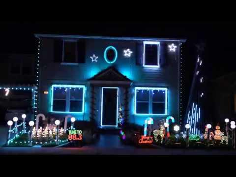 The Petersen's Christmas Light Show 2017