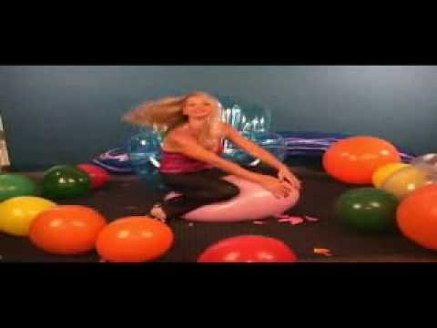 Vicky Vette & Its Cleo Try the Norwegian Curling Team ''ComfyBalls'' Challenge! from YouTube · Duration:  7 minutes 2 seconds