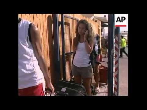 Israeli tourists return home following Sharm el-Sheik bombings