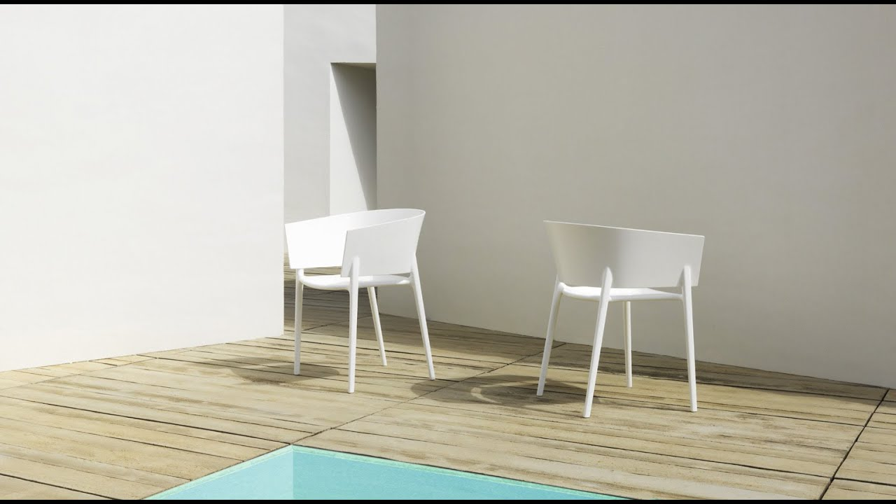 Eugeni Quitllet // Africa Chair // Set of 4 (White) video thumbnail