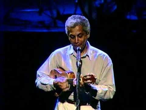 Paulinho da Viola - Eu canto samba / Quando bate uma saudade- Heineken Concerts 93 RJ