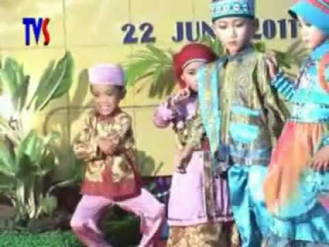 Fashion Show Muslim Anak Tk