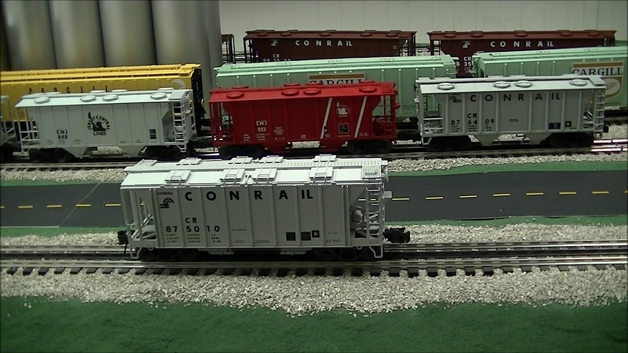 Review of the Atlas O Conrail 70 ton Covered Hopper O Gauge