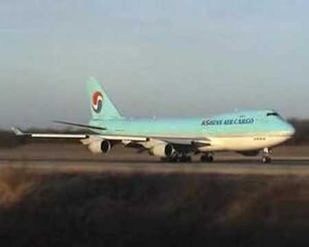 Korean Air Cargo 747-400F Take-off