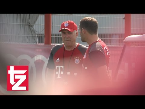 Carlo Ancelotti - Erstes Training - FC Bayern - First Training Session Ancelotti FC Bayern Munich