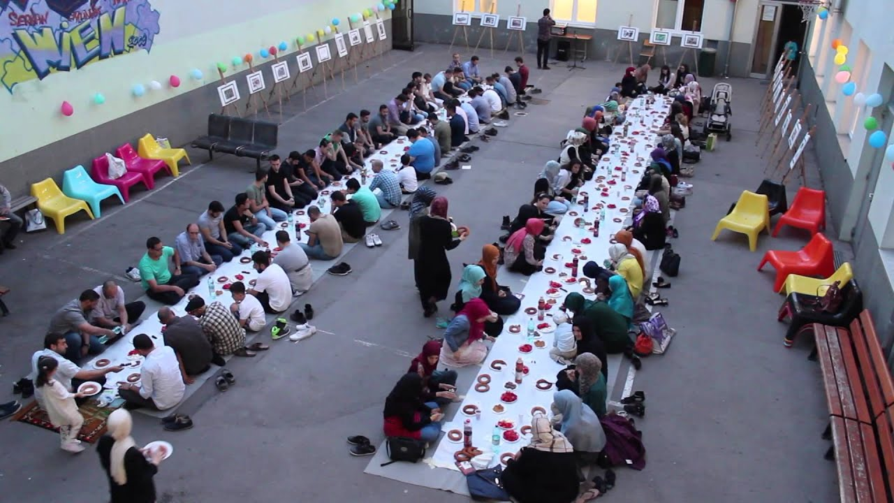 İSV Wien - 1. Charity Iftar - YouTube