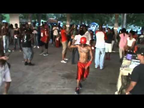 "DJ Sedrick ""100% Disin You"" with house at Piedmont Park in Atlanta, Ga. on Sunday, August 31, 2014"