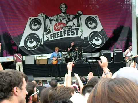 Two Door Cinema Club – Come Back Home Free Fest 2011