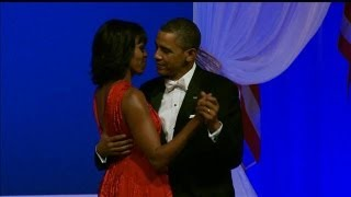 Jennifer Hudson Sings During President and Michelle Obama
