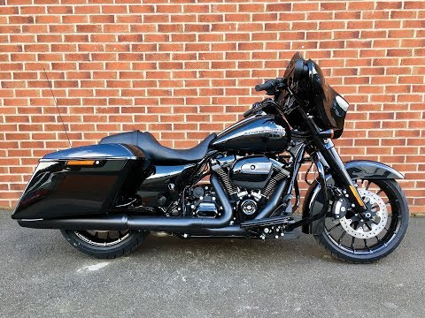 2018 Harley Davidson FLHXS Street Glide Special. #25222