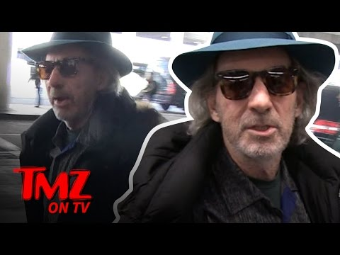 Voice Actor Harry Shearer Can MIMIC ANY VOICE! | TMZ TV