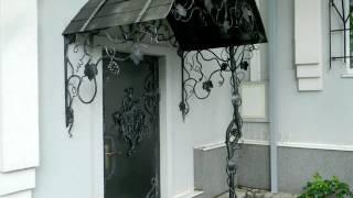 видео Дизайн крыльца частного дома: особенности декора входных групп