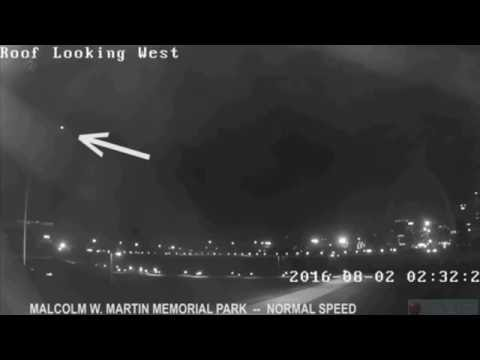 Surveillance Camera Films UFO Over The St. Louis Arch