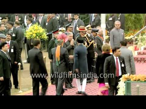 Narendra Modi welcomes Vice President of India Hamid Ansari at Republic Day
