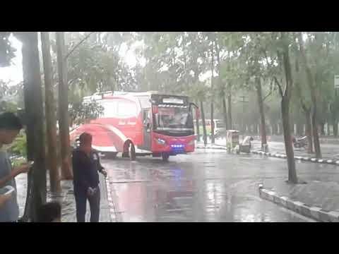 DUEL BUS SUMATERA!!! Adu Telolet Bus Sinar Dempo Malibu VS NPM MR.Bre