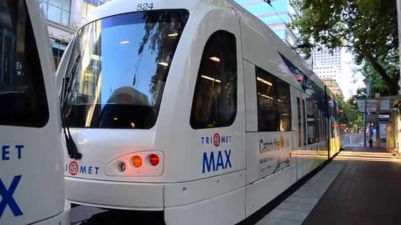 Portland TriMet MAX Light Rail Train Of Siemens Type-5 ...