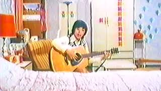 1973年ドラマ「ラブラブライバル」第2話より。 原宿に実在した輸入レコ...
