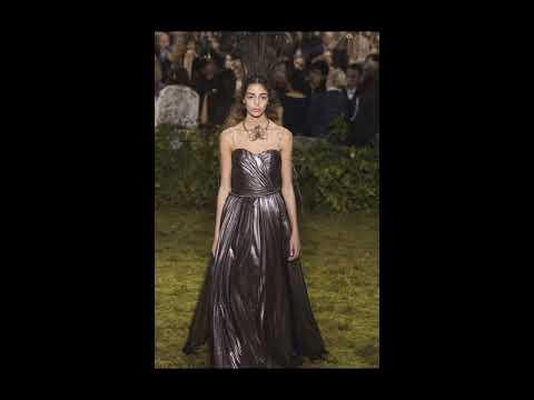 Christian Dior весна-лето 2017 – обзор модных платьев