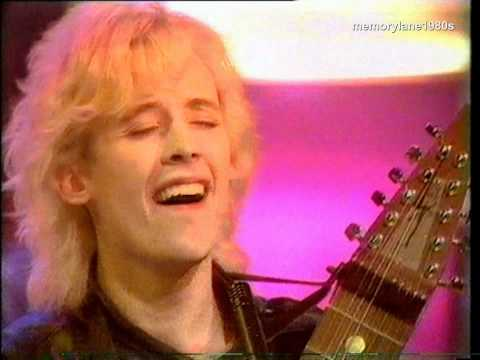 Kajagoogoo the lions mouth top of the pops 1984