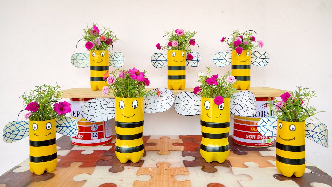 Wonderful DIY Bee Flower Pots from Plastic Bottles for Your Garden
