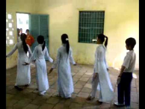 Lớp ĐHSANL08-B Mùa thu ngày khai trường.mp4